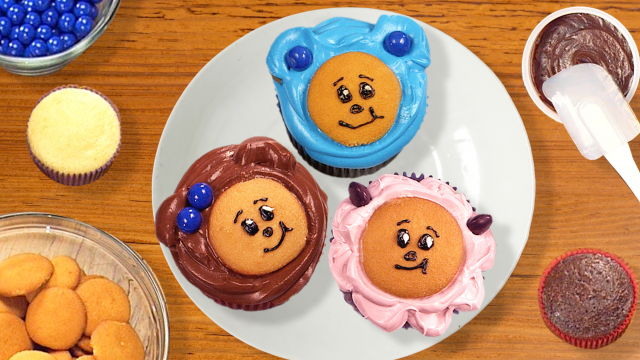 Make Mother Goose Club Birthday Cupcakes
