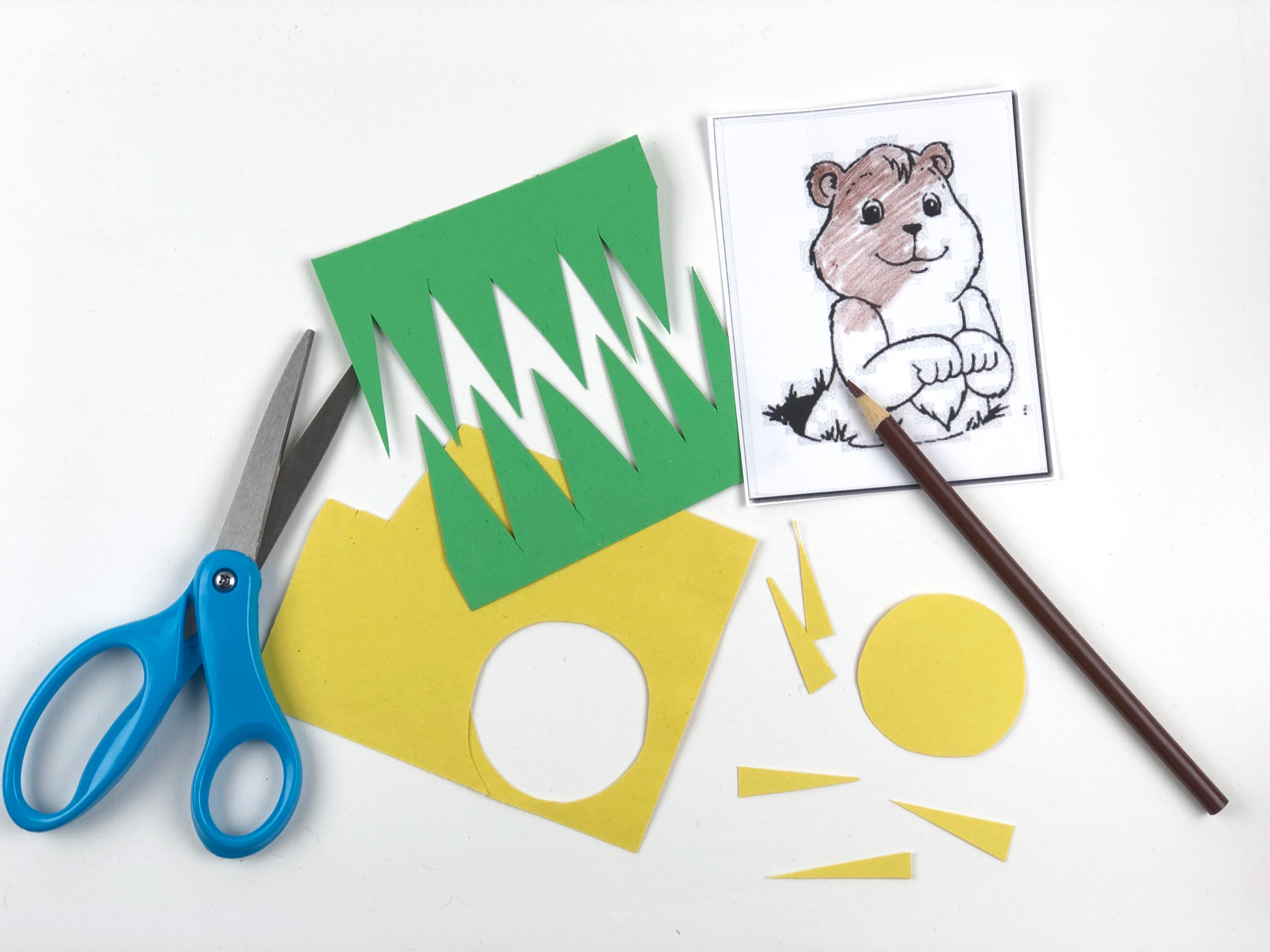 Groundhog Day Paper Plate Craft step 1