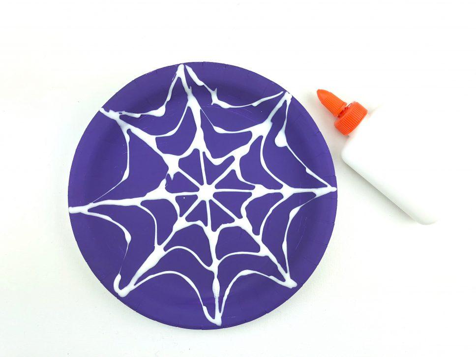 Halloween Spider Craft step 2